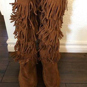 Minnetonka boots - size 8.5